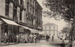 44 SAINT-NAZAIRE  La Rue Thiers Dans Sa Partie Aboutissant à La Place De La Gare (très Animée) - Saint Nazaire
