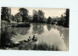 PESMES - CPSM Cim - Le S Bords De L' Ognon Et La Sauvageonne - Pêcheurs Sur Leur Barque -  - 2 Scans - Pesmes