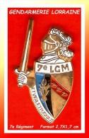 SUPER PIN´S GENDARMERIE : PIN'S Du 7e REGIMENT De GENDARMERIE De LORRAINE émail Cloisonné Base Or - Militair & Leger