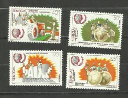 Sénégal N°639 à 642 Neufs Avec Trace De Charnière* Cote 3.15 Euros - Senegal (1960-...)