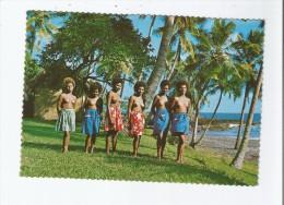 (NU) JOLIES FILLES AU LIEU DE VACANCES TANNA A L'ILE NEW HEBRIDES 121 - Vanuatu