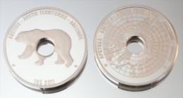Arctique 10 Dollars 2011 Hole Argent Pur .999 Animal Polaire - Monnaies