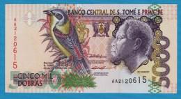 SAO TOMÉ E PRINCIPE 5000 Dobras 22.10.1996  Serie AA   P# 65   Papa Figo Bird , Rei Amador - Sao Tomé Et Principe