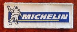 Patch Écusson Tissu à Coudre - Pneus Michelin - Bibendum Brodé Sur Soie - Ecussons Tissu