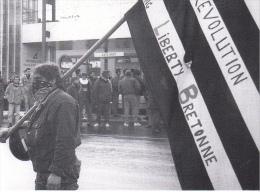 25647 -RENNES 35 France -manifestations 4 Fevrier 1994 -pecheurs -Bouquinerie Quais- Photo Douliery -3 Gare Sncf