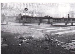 25648 -RENNES 35 France -manifestations 4 Fevrier 1994 -pecheurs -Bouquinerie Quais- Photo Douliery -12 Place Parlement - Rennes