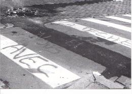 25649 -RENNES 35 France -manifestations 4 Fevrier 1994 -pecheurs -Bouquinerie Quais- Photo Douliery -1 Place Parlement
