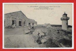 29 - ROZ MANECH --  L'esplanade Devant L'hôtel - Autres Communes