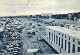 GIULIANOVA LIDO. SCORCIO DELLA SPIAGGIA COI BAGNI MARINI. VIAGGIATA 1951 - Italia