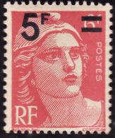 FRANCE  1949  -  Y&T 827   -    Marianne De Gandon  6f  Rose Surchargé 5f     -  NEUF** - 1945-54 Marianne De Gandon