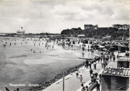 Puglia-manfredonia Spiaggia Veduta Animatissima Anni 50 - Manfredonia