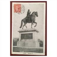 Paris  Henri IV - Statues