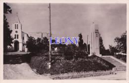 CPSM 9X14 D' ALGERIE - BOUZAREAH - Place Du MONUMENT Et L' EGLISE - Other Cities