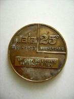 1976 BARI FIERA DEL LEVANTE 25° ANNIVERSARIO    MAIA  Macchine Movimento Terra ENORME MEDAGLIA - Autres