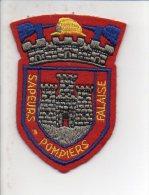 """Pompiers - Ecusson Ou Badge De Manche Tissu  """" Sapeurs Pompiers De Falaise """" 14 - Firemen"""
