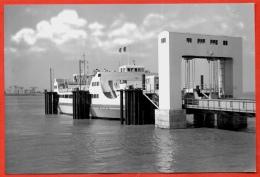 PHOTO Photographie 44 St SAINT-BREVIN Loire-Atlantique - Le Bac - Passerelle D'Embarquement - Schiffe