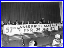 "- PHOTO- ASSEMBLEE GENERALE FFR.24JUIN 1978 ""Sarlat"" (recto Versos) - Rugby"