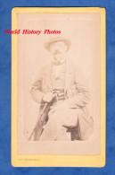 Photo Ancienne CDV Vers 1880 - TOULOUSE ? - Portrait Notable Chapeau Canne Mode Pose Man - Photographie Victor Trantoul - Anciennes (Av. 1900)