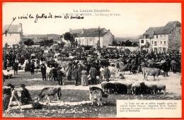 """CPA 48 St SAINT-CHELY-d'APCHER """"La Lozère Illustrée"""" Le Champ De Foire (aux Bestiaux) (carte Commentée) Marché Croix - Saint Chely D'Apcher"""