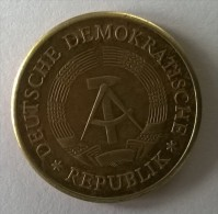 20 Pfennig 1971 - - [ 6] 1949-1990 : GDR - German Dem. Rep.