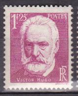 N° 293 Célébrités: Victor Hugo:    Beau  Timbre Neuf Sans Charnière Gomme D´origine - 1932-39 Paix