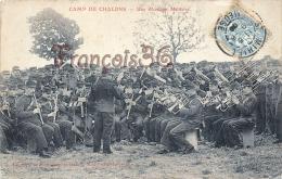 (51) Camp De Chalons Sur Marne - Une Musique Militaire Orchestre - Soldats Militaires Militaria - 2 SCANS - Camp De Châlons - Mourmelon