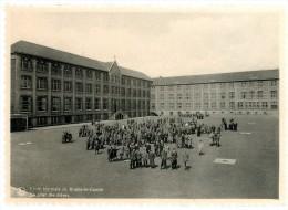 Braine-le-Comte - ´s Gravenbrakel. Ecole Normale. La Cour Des élèves. Normale School. De Speelplaats Van De Leerlingen. - Braine-le-Comte