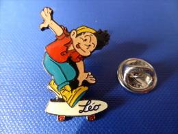 Pin´s Skateboard Skate Board - Léo - Dessin Animé Bd (PK27) - Skateboard
