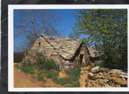 Vieille Maison En Pierres Et Lauzes - Auvergne
