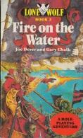 Fire On The Water - De Joe Dever & Gary Chalk -  Sparrow Books - 1984 - Livres, BD, Revues