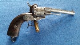 REVOLVER A BROCHES  LEFAUCHEUX TYPE  1858 CAL 12 MM A BROCHE  LEPAGE FRERE LIEGE - Armes Neutralisées