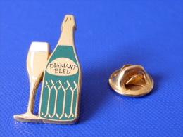 Pin's Arthus Bertrand - Champagne Diamant Bleu - Alcool (AC69) - Arthus Bertrand