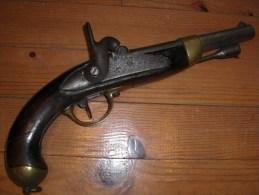 Pistolet De Cavalerie Réglementaire Modèle 1822 T Bis - Decotatieve Wapens