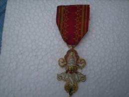 Médaille De 1 Millions D'éléphants Du LAOS - Médailles & Décorations