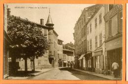 MBT-05  Beaujeu  Place De La Liberté.  ANIME. Circulé - Beaujeu