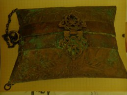 Aumoniere Atypique Avec  Chainette De Ceremonie Du Maghreb- - Beurzen En Zakken