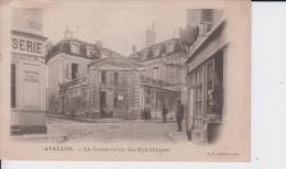 YONNE - AVALLON - La Conservation Des Hypothèques  ( - Petite Animation - Carte Pionnière Avec Timbre à Date De 1905 ) - Avallon