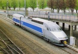 AAATV 1721 - Motrice TGV A Avec Un Wagon De Service - BELFORT - Territoire De Belfort 90 - SNCF - Belfort - Ville