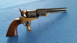 REPLIQUE ITALIENNE DU REVOLVER COLT MODELE 1851 CAL 36 POUDRE NOIR - Armes Neutralisées
