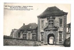 Pionsat - Entrée Du Chateau - Vue Prise De La Place De L´ église - Otros Municipios
