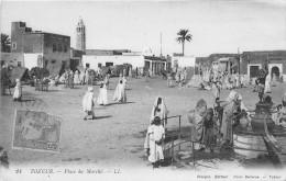 TUNISIE - TOZEUR - Place Du Marché - Túnez