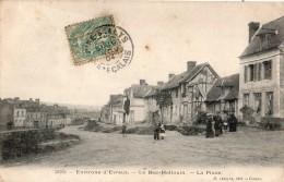 ENVIRONS D'EVREUX LE BEC-HELLOUIN LA PLACE ANIMEE - Frankrijk