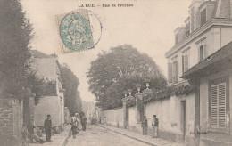 94 - LA RUE - Rue De Fresnes. - Animée. - Chevilly Larue