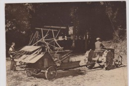 Carte Postale      BRETAGNE   Les Premiers Tracteurs En Bretagne - Tractors