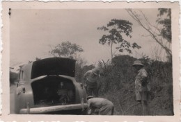 Photo Originale Afrique Oubangui Chari Tchad Coloniaux Auto à Identifier Changement De Roue