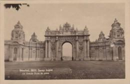 Turkey Istanbul Milli Saray kapisi La Grande Porte du Palais