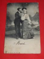 COUPLES  -  Couple Amoureux Dans Un Décor Campagnard   -  1905      - (2 Scans) - Couples