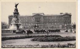 England London Buckingham Palace and Victoria Memorial