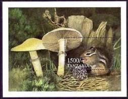 TANZANIA  1999 MINT NEVER HINGED SOUVENIR SHEET OF MUSHROOMS - Hongos