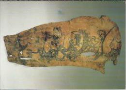 NL.- Het Rijk Der Scythen Uit De Schatkamers Van De Hermitage. Getatoeëerde Huid Van Een Man. 2 Scans. - Materiaal